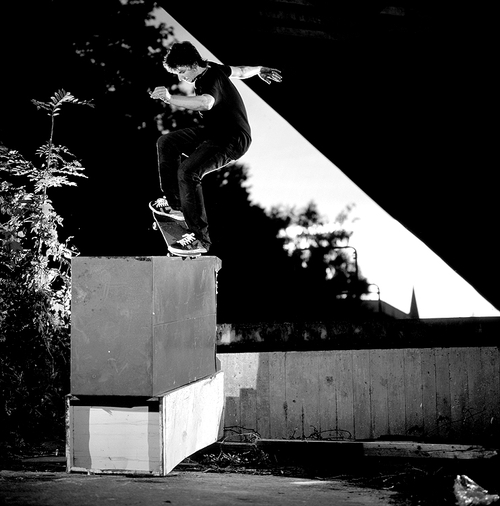 Dominic Peters - Nosegrind